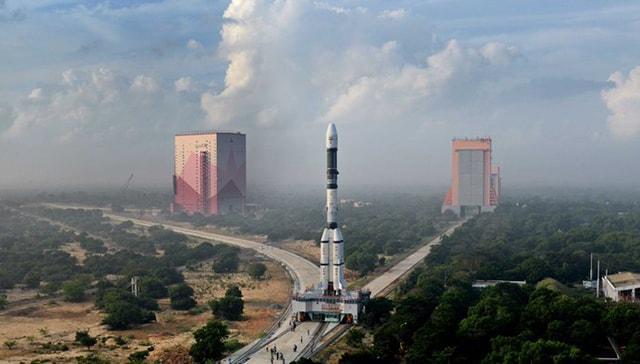 Hindistan, radar keşif uydusunu gönderecek: Canlı yayın