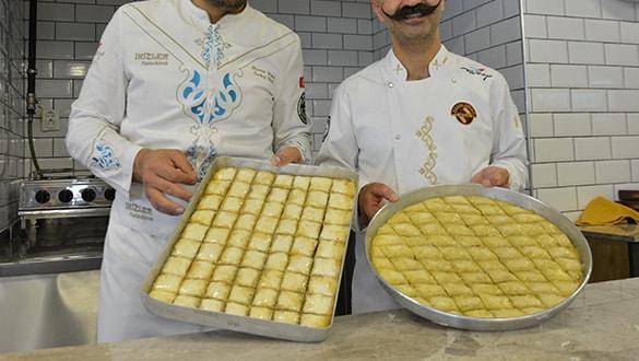 Cevizli baklavaya ekmek kırıntısı koyarak vatandaşı kandırıyorlar