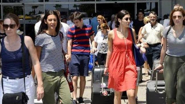 Ramazan Bayramı'nın 9 günlük tatilinde Antalya'ya 2 milyon ziyaretçi gitti