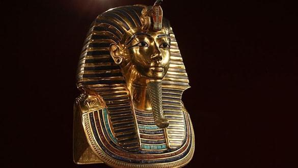 Mısır Tutankhamun'un heykelinin satışının durdurulmasını istiyor