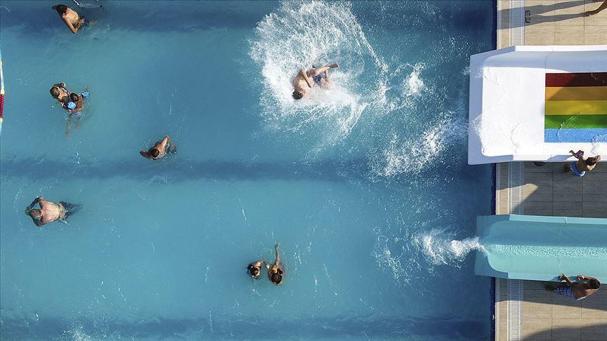Havuza girecekler bu uyarılara dikkat! Mantara karşı...