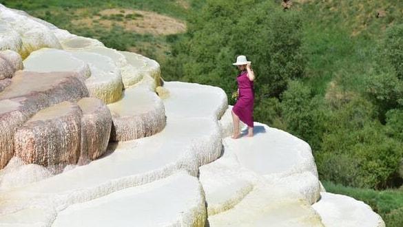 Herkes Pamukkale sanıyor ama değil: Van'daki travertenler ilgi çekiyor