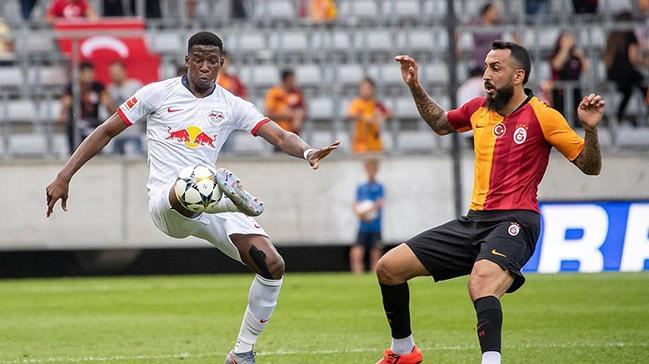 Galatasaray'da Mitroglou sınıfı geçemedi! Yunan golcü için karar alınacak