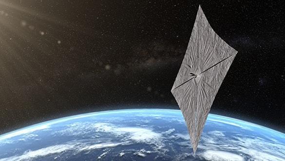 İlk güneş yelkenli uydu, yelkenlerini açtı