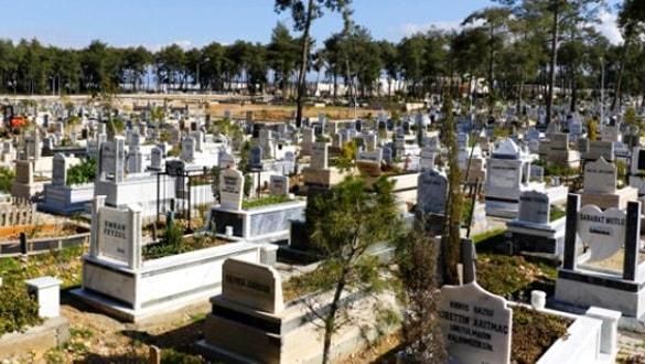 Bayramda mezarlığı ziyaret edene 5 bin TL ödül verilecek