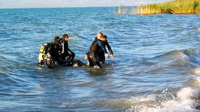 Abisinin boğulduğu haberini alınca kendini göle attı