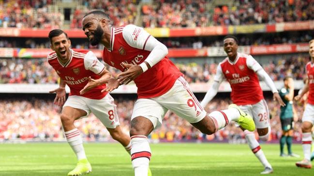 Arsenal 10 yıl sonra Premier Lig'e 2'de 2 yaparak başladı