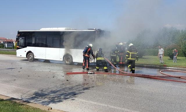 Seyir halindeki halk otobüsünde korkutan yangın