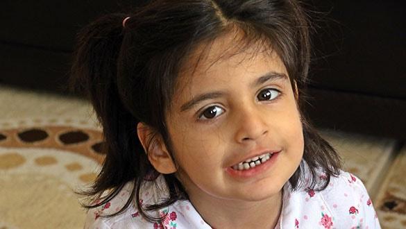 Minik Aysima büyüdükçe ölüme yaklaşıyor