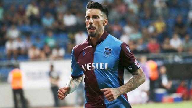 Jose Sosa, Trabzonspor'un yüzde 50'nin üzerinde maaş indirim talebini kabul etti