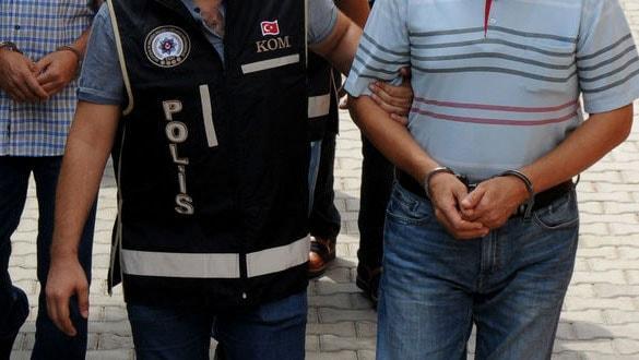 Yunanistan'a kaçmaya çalışan 3'ü FETÖ şüphelisi 5 kişi yakalandı