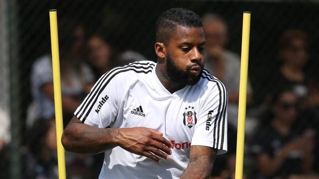 Beşiktaş yönetiminden Jeremain Lens'e: Ya yüzde 50 indirim yap ya da git