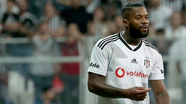 Beşiktaş, Lens için BAE'den gelen teklifi kabul ederken futbolcu reddedince transfer yattı