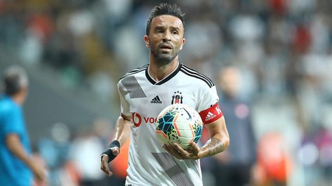Beşiktaş, Gökhan Gönül'ün sözleşmesini 1 yıl uzatmak istiyor