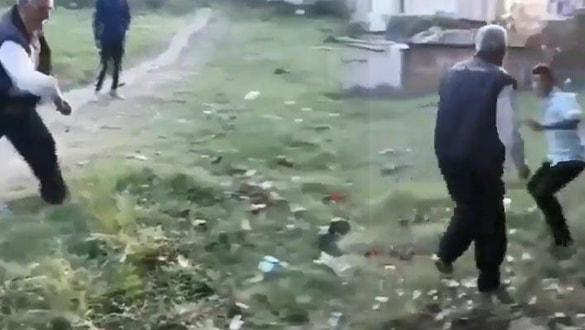 Köpeğe ve gence taş atan yaşlı adam serbest bırakıldı