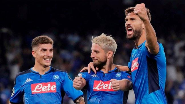 Napoli son şampiyon Liverpool'u devirdi