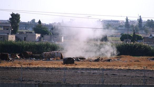 YPG-PKK'lı teröristler evlerden saldırıyor