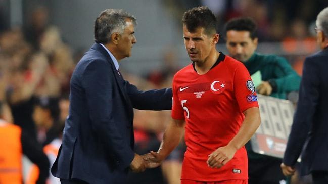 Kaburgasında kırık tespit edilen Emre Belözoğlu, Fransa maçında yok
