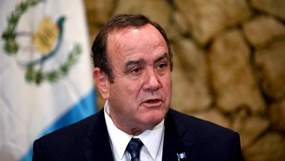 Venezuela, Guatemala Devlet Başkanı'nın ülkeye girişini engelledi
