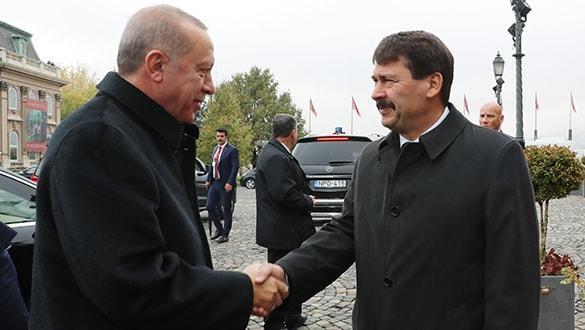 Başkan Erdoğan, Macaristan Cumhurbaşkanı Ader'le görüştü