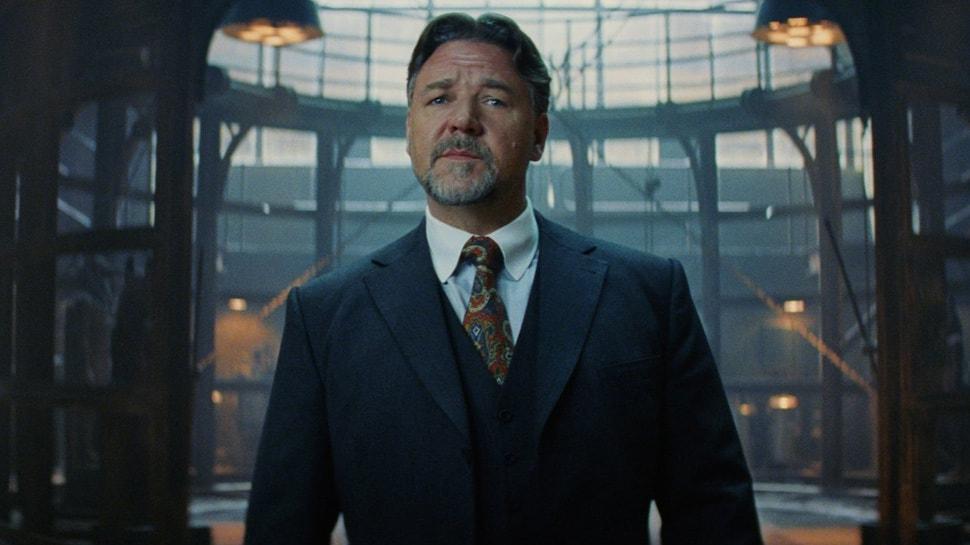 Russell Crowe'u görenler tanýyamadý! Göbeði aldý baþýný gitti