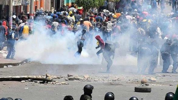 Bolivya'da polisler de protestoculara katıldı!