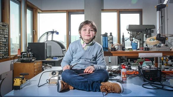 9 yaşındaki Laurent Simons, dünyanın en genç üniversite mezunu olmaya hazırlanıyor