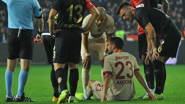 Galatasaray'da Gaziantep maçında sakatlanan Florin Andone, ilk yarıyı kapattı