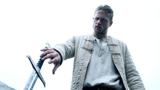 Kral Arthur Kılıç Efsanesi filmi konusu haberimizde...