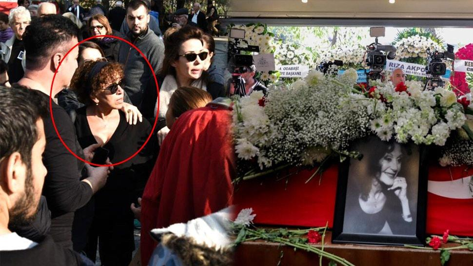"""Yıldız Kenter'in cenazesinde gergin anlar! Burada canlı yayın mı yapılır"""""""