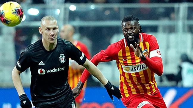 Adebayor, Kayserispor ile son maçına çıktığını açıkladı