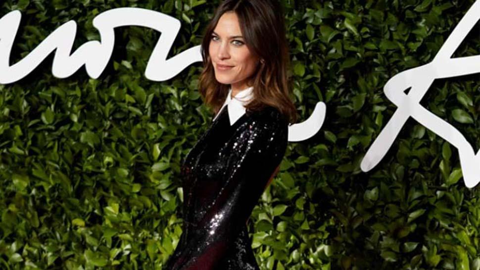 İngiliz Moda Ödülleri'nde yıldız yağmuru! Hangi sanatçı ne giydi?