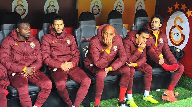 Galatasaray'da deprem! 2 futbolcu Fatih Terim'le çalışmak istemediğini bildirdi