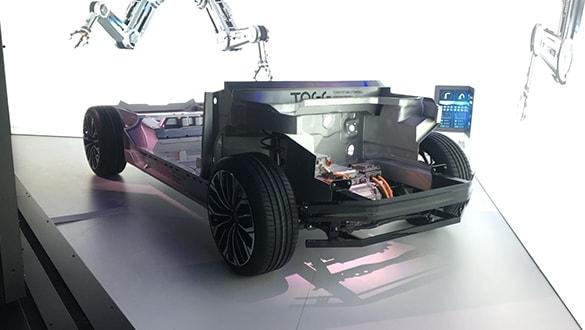 Yerli otomobilin canlı yayında tanıtımı yapılıyor! İşte TOGG'nin tanıttığı aracın özellikleri