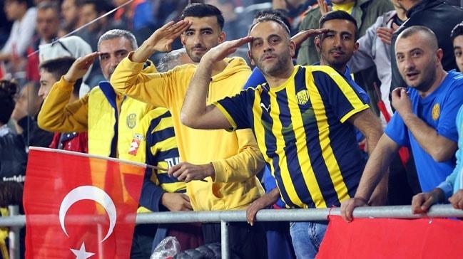 Süper Lig'de sezonun ilk yarısında seyirci ortalaması 14 bine yaklaştı