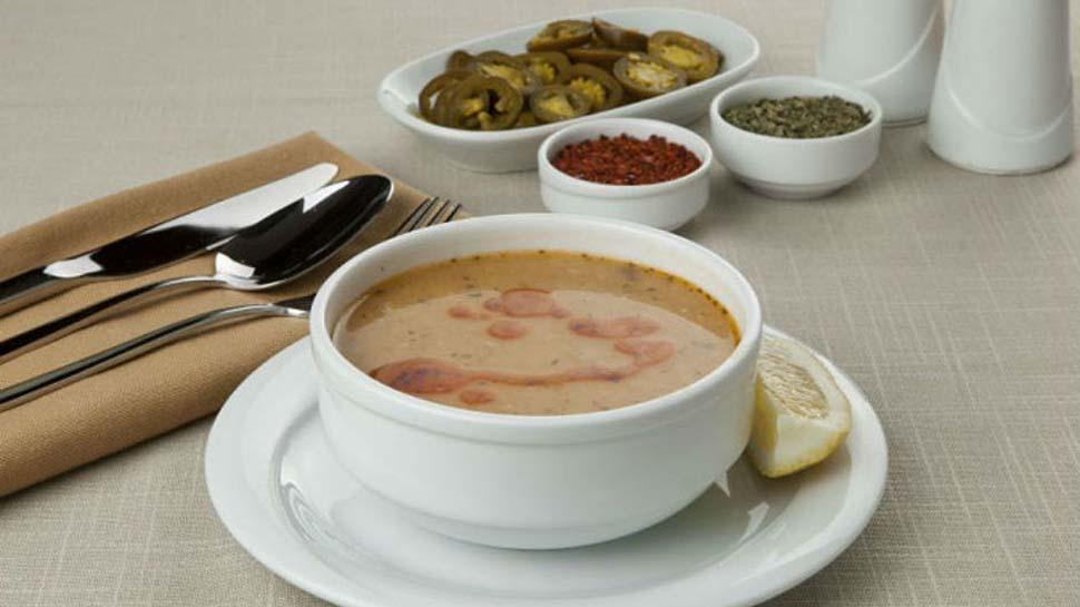 Soğuk kış günlerinin vazgeçilmezi: Süzme mercimek çorbası tarifi