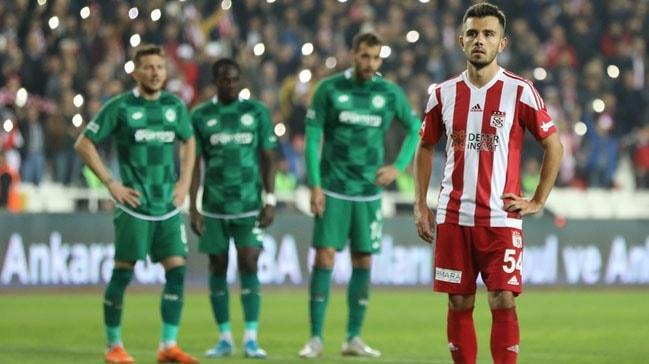 Galatasaray Emre Kılınç için 5 ay bekleme kararı aldı