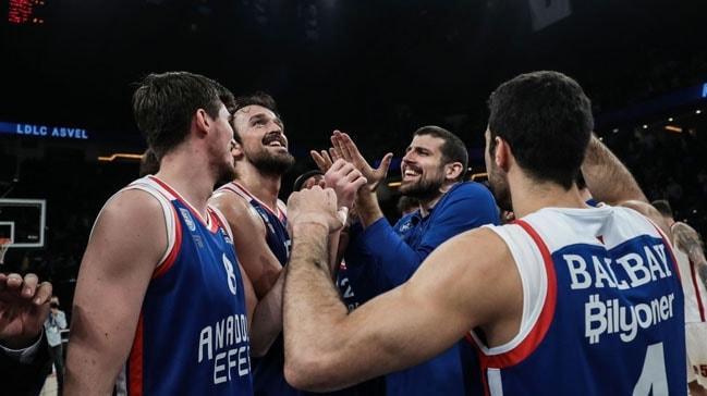 Anadolu Efes, AX Armani Exchange Milan'ı 20 sayı farkla mağlup etti