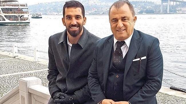 Arda Turan Galatasaray ile anlaştı! Boş mukaveleye imza atıp bedavaya oynayacak
