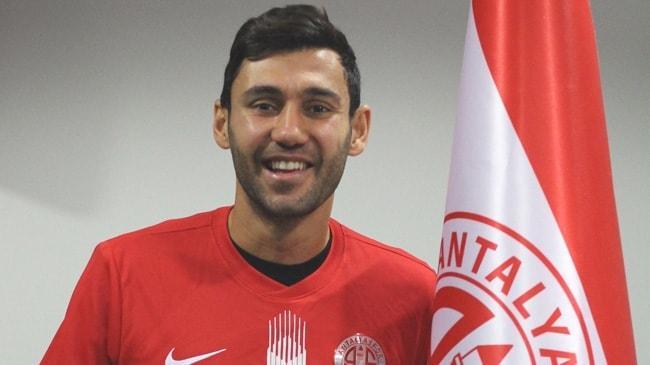 Antalyaspor, Veysel Sarı'yı kadrosuna kattı