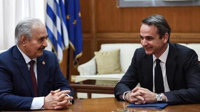 Türkiye'den Yunanistan'a ders gibi cevaplar!  'Boşa kürek çekmeyin'