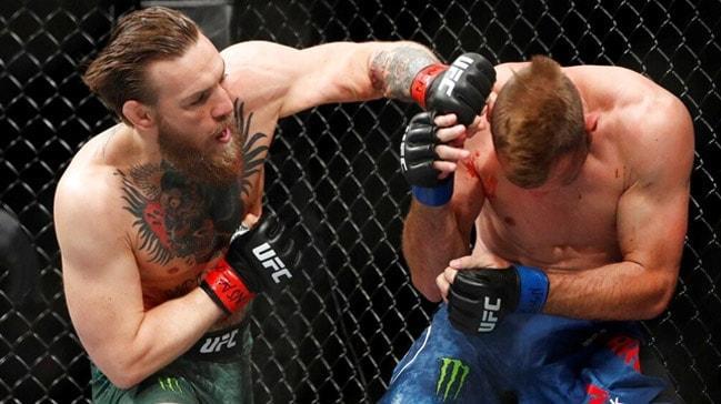 McGregor rakibi Donald Cerrone'u 40 saniyede devirdi!