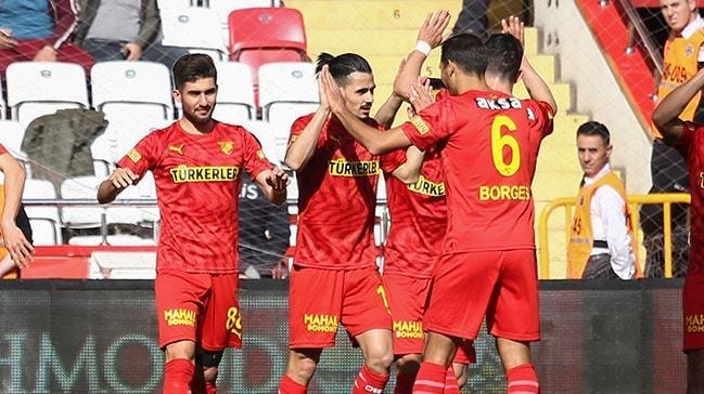 Göztepe, Antalya deplasmanında çok rahat kazandı