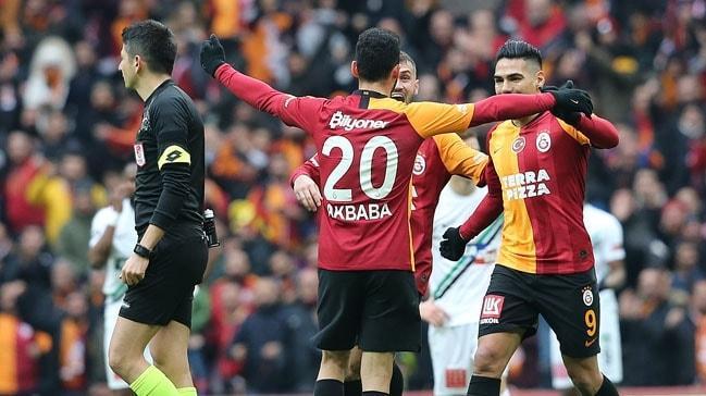 Galatasaray, ikinci yarının ilk maçında Denizlispor'u mağlup etti