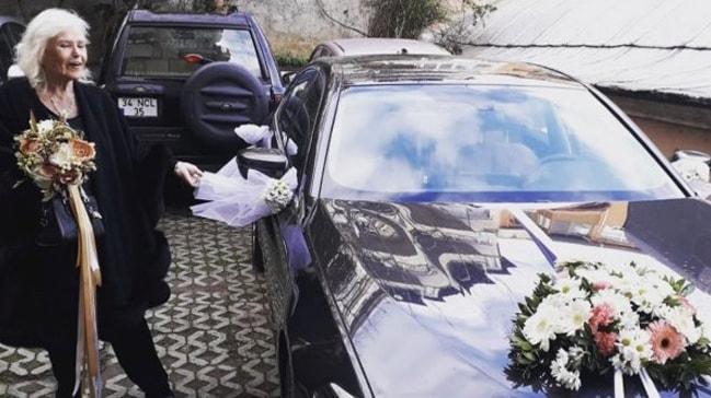 """Gönül Yazar 8. kez evlendi mi"""" Kafa karıştıran poz"""