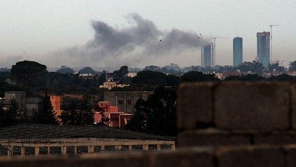 Son dakika haberi: Hafter milisleri  Havalimanı'nı füzeyle vurdu!