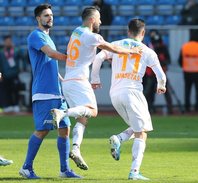 Alanyaspor kupada Kasımpaşa'ya 3-2 mağlup olsa da adını çeyrek finale yazdırdı