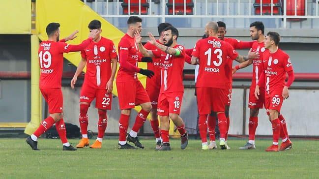Antalyaspor, kupada Göztepe'yi saf dışı bıraktı ve çeyrek finale yükseldi