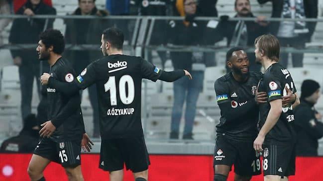 Beşiktaş'ta Caner Erkin ile Elneny gerginlik yaşadı