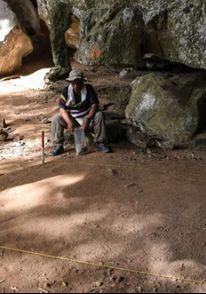 İlk görüşte sadece taş sandılar! Mağaradan tarih fışkırdı